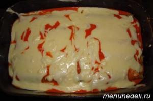 Фаршированные каннеллони с добавление томатного и белого соусов