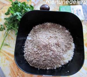 Фарш для колбасы из сулугуни из сыра и семечек