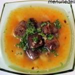 Гороховый суп с гренками мне и дочке