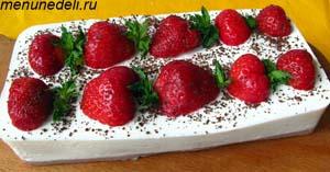 Холодный творожный торт без выпечки с клубникой