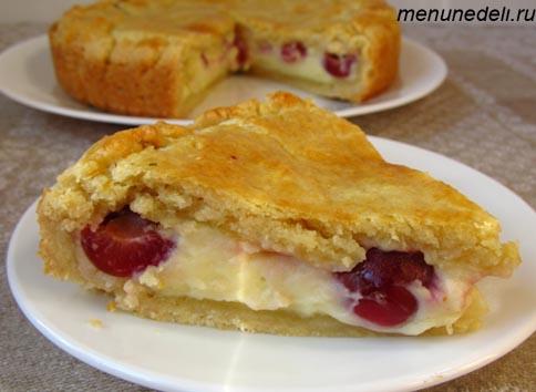 Пирог с черешней и заварным кремом