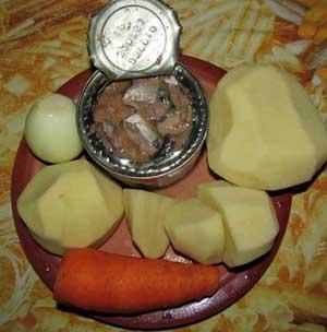 Рыбная консерва очищенный картофель и морковь ингредиенты
