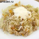 Тушеная капуста с рисом и фаршем