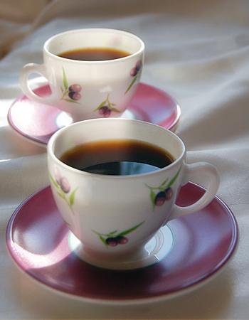 Кофе сваренный с корицей мускатным орехом  и черным перцем