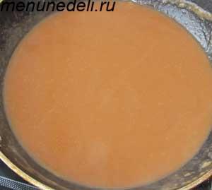 Грибной бульон соединенный с маслом и мукой для котлеты