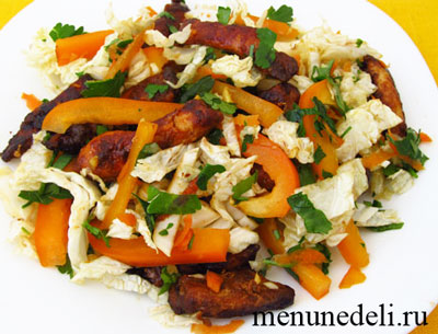 Салат по-китайски с пекинской капустой и курицей