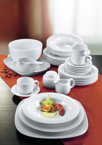 Базовый набор тарелок и кружек  для молодой семьи