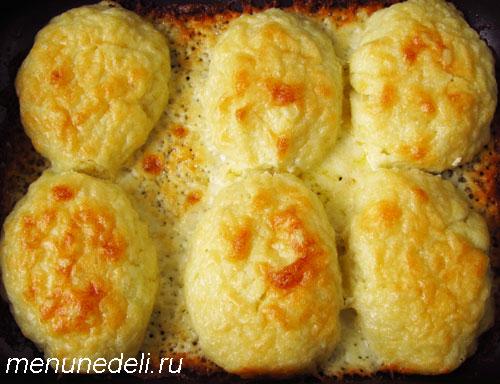 Клецки под сырным соусом