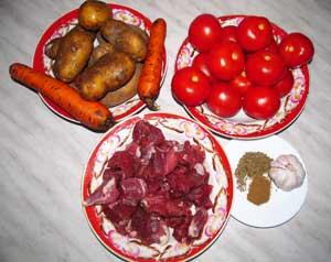 Ингредиенты для баранины тушеной с помидорами и картофелем