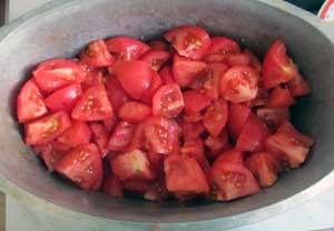 Бланшированные помидоры со снятой кожицей