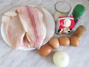 Продукты для рыбной запеканки с рисом и яйцами