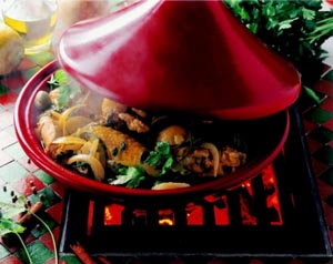 Тажин для приготовления мяса с овощами и специями