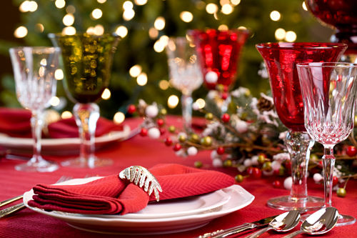 Holiday-dinner-table_opt