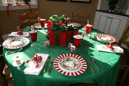 Stupendous-Christmas-Decorations-decorating-ideas-for-Gorgeous-Dining-Room-Traditional-design-ideas-with-candy-cane-Christmas-Holidays-ladder-back-chairs-ladderback-chairs-place-setting-presents_opt