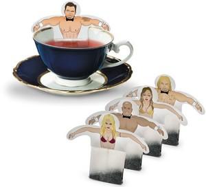 Чайные пакетики с изображением людей в купальниках
