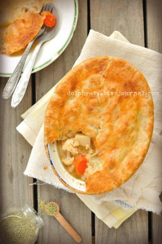 Простой пирог с курицей и овощами
