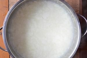 Смесь получившаяся после добавления лимонного сока в молоко