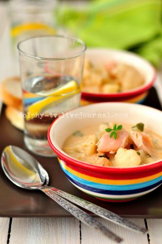 Суп из форели со сливками и цветной капустой