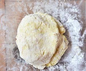 Эластичное и слегка липкое  тесто для ньокков