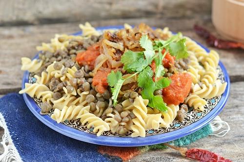 Как приготовить чечевицу с помидорами макаронами и специями