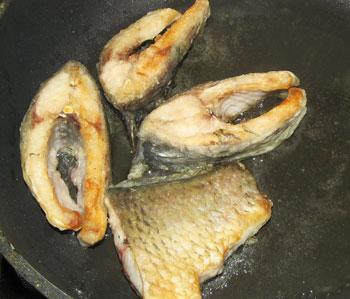 Обжаренная в масле рыба