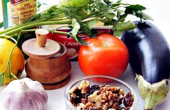 Ингредиенты для рулетиков из баклажанов с сыром и орехами