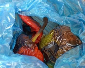 Запеченные болгарские перцы в полиэтиленовом пакете