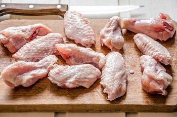 Куриные крылышки разрезанные по суставу