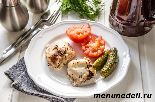 Запеченная курица в кефире с базиликом
