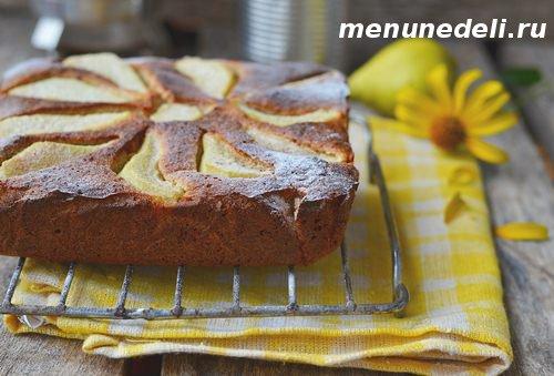 Рецепт грушевого пирога с медом и миндалем