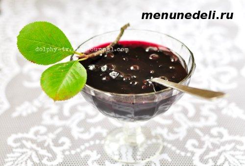 Рецепт варенья из черноплодной рябины со сливой