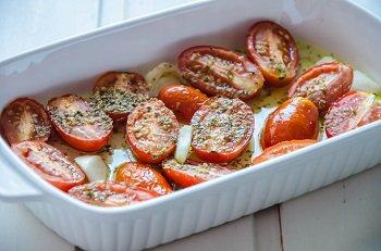 Готовые помидоры конфи которые можно закатывать в банки или хранить в холодильнике