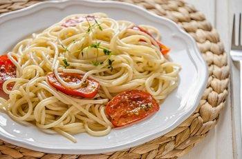 Спагетти с помидорами конфи на обед или ужин