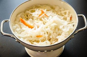 Квашеная капуста промытая водой для приготовления супа
