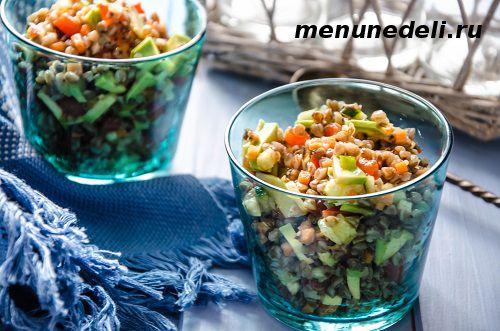 Салат с гречкой с овощами