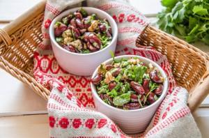 salat iz fasoli s orehami
