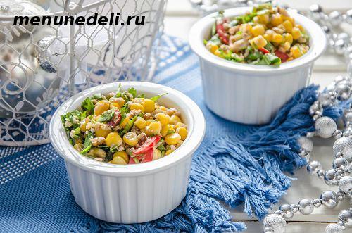 Постный салат из кукурузы с грецкими орехами