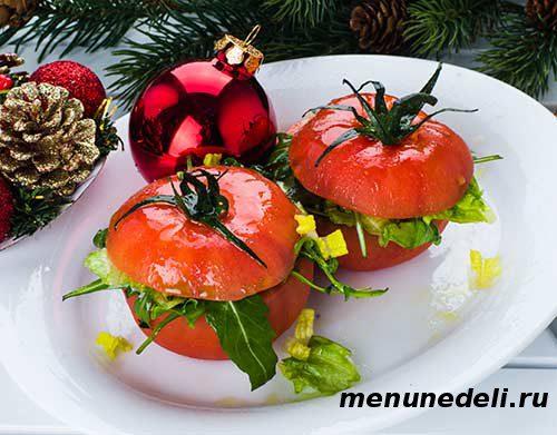 Помидоры, фаршированные зеленым салатом