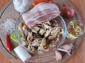 Ингредиенты для сливочного супа с мидиями