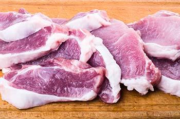 Мясо промыть обсушить бумажным полотенцем и порезать порционно
