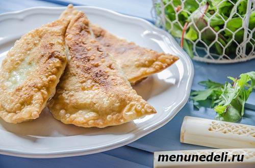 Рецепт чебуреков с картофелем и сыром