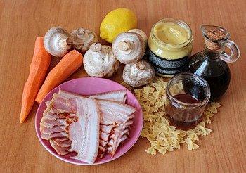 Ингредиенты для салата с грибами и морковью