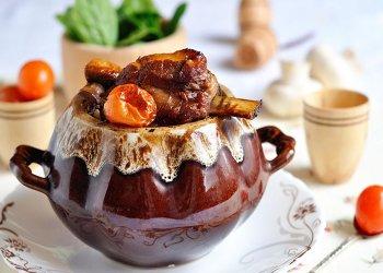 Ароматное сочное вкусное блюдо можно подавать к столу