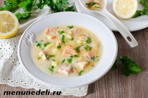 Суп из плавленых сырков с семгой