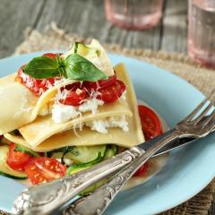 Рецепт лазаньи без выпечки с овощами и сливочным сыром