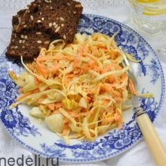 Салат с морковью и капустой