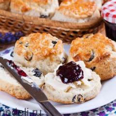 Английские булочки-сконы с изюмом
