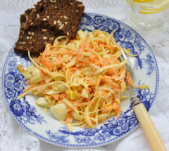 gotovyj-salat-s-kapustoj-i-morkov'juph2