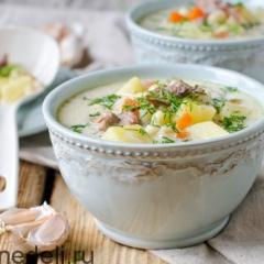 Сырный суп в мультиварке с овощами и пастой