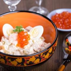 Салат с картофелем, огурцом и яйцом